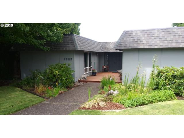 1585 W 25TH Ave, Eugene, OR 97405 (MLS #19166272) :: The Liu Group