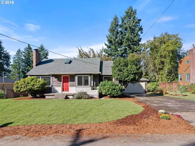 9943 SW 55TH Ave, Portland, OR 97219 (MLS #19166620) :: McKillion Real Estate Group