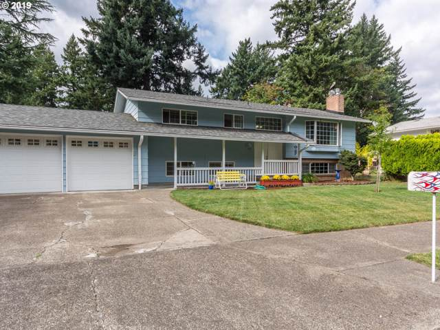 15215 SE Gladstone Dr, Portland, OR 97236 (MLS #19166838) :: TK Real Estate Group