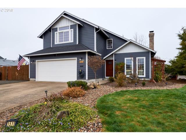 1511 SW Wright St, Mcminnville, OR 97128 (MLS #19168606) :: McKillion Real Estate Group