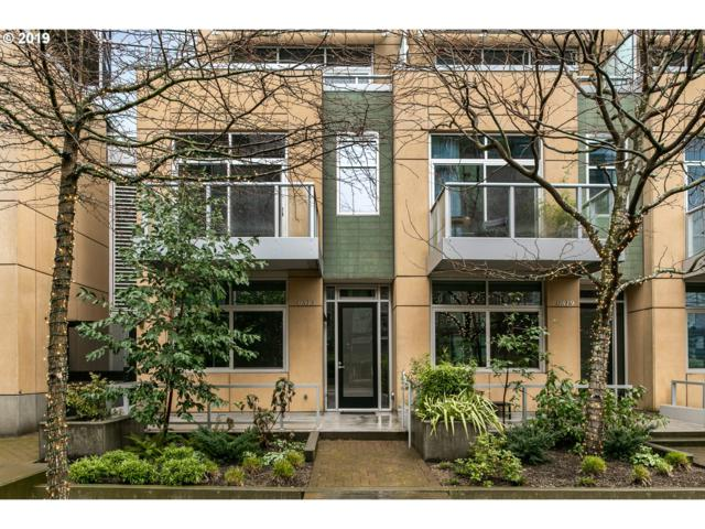 815 SW Pennoyer St, Portland, OR 97239 (MLS #19173934) :: TLK Group Properties