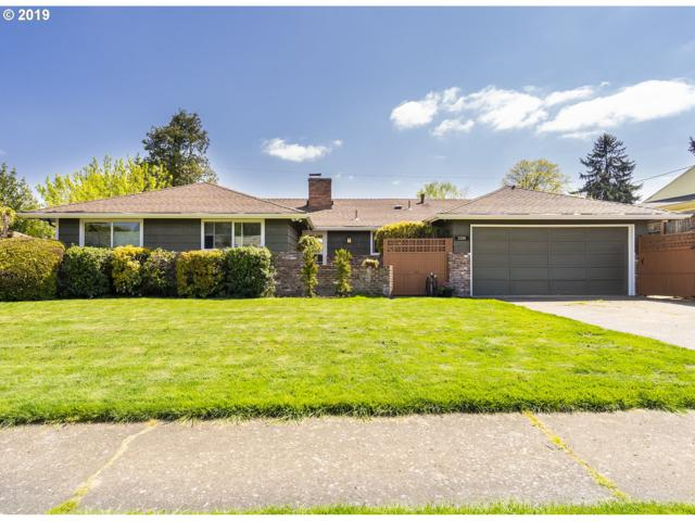 2326 NE 143RD Ave, Portland, OR 97230 (MLS #19176568) :: Change Realty