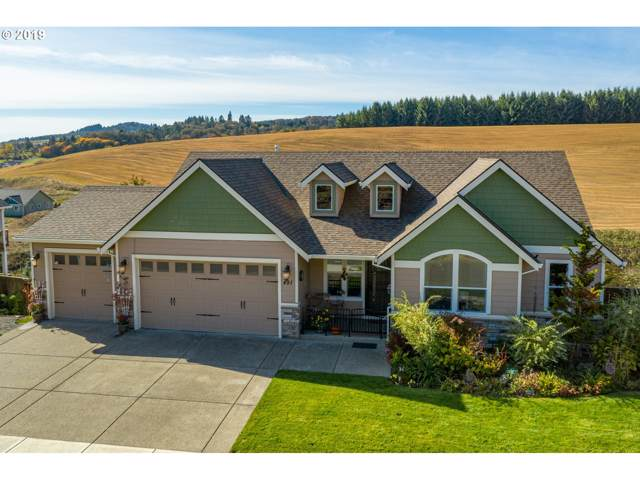 491 NW Mt Mazama St, Mcminnville, OR 97128 (MLS #19178939) :: Cano Real Estate