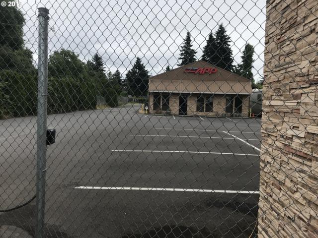 9270 NE Glisan St, Portland, OR 97220 (MLS #19179905) :: Homehelper Consultants