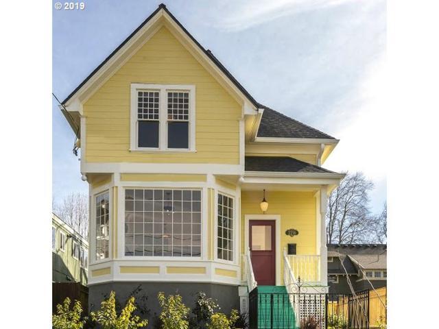 2216 NE 15TH Ave Upper, Portland, OR 97212 (MLS #19180697) :: McKillion Real Estate Group