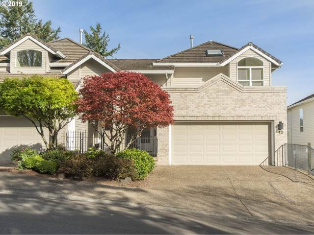12 Northview Ct, Lake Oswego, OR 97035 (MLS #19185491) :: McKillion Real Estate Group