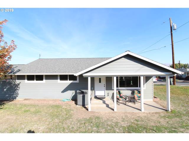 1725 E 17TH St, The Dalles, OR 97058 (MLS #19187358) :: Townsend Jarvis Group Real Estate