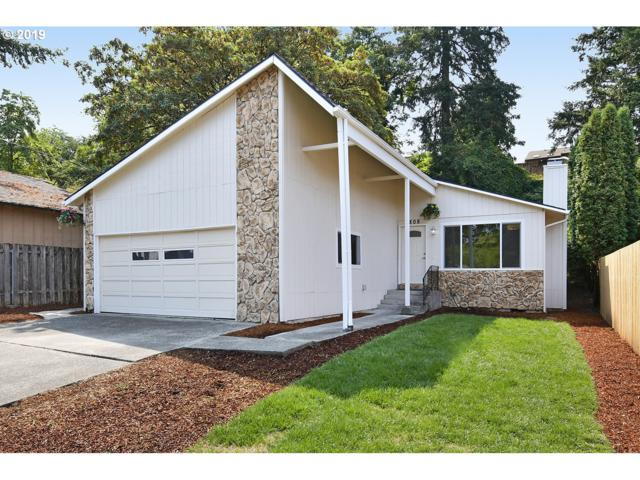 6808 SE Overland St, Milwaukie, OR 97222 (MLS #19187446) :: Cano Real Estate