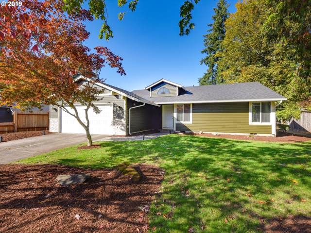 12143 SE Grove Loop, Milwaukie, OR 97222 (MLS #19197074) :: Fox Real Estate Group