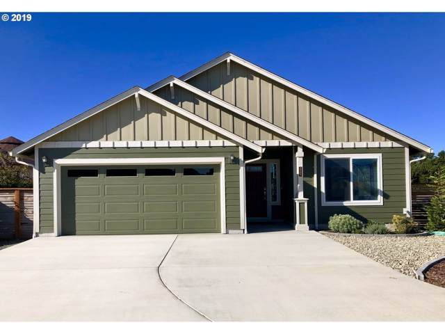 2701 Lincoln Ave SW, Bandon, OR 97411 (MLS #19200702) :: Townsend Jarvis Group Real Estate