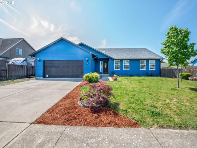 938 Smith St, Harrisburg, OR 97446 (MLS #19204427) :: The Galand Haas Real Estate Team
