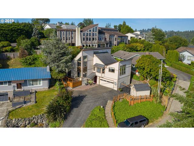 465 N 3RD Ct, Coos Bay, OR 97420 (MLS #19212571) :: Cano Real Estate