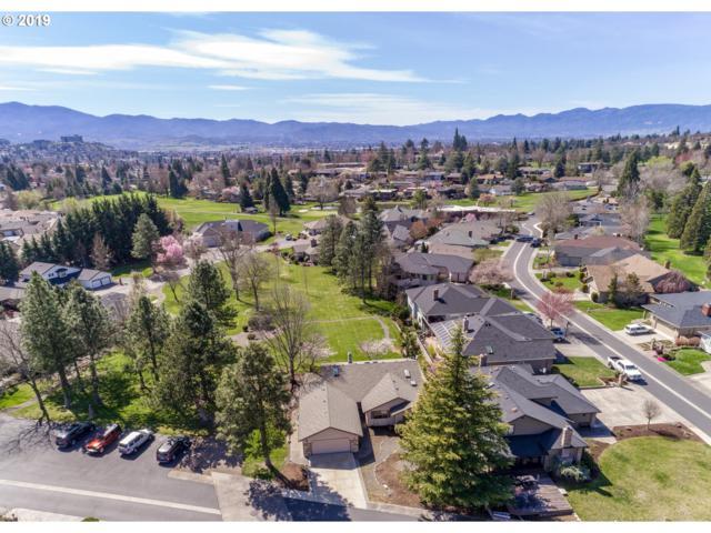 40 Jack Nicklaus Rd, Medford, OR 97504 (MLS #19213292) :: McKillion Real Estate Group