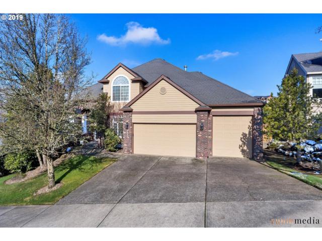 9643 SE Wyndham Way, Happy Valley, OR 97086 (MLS #19213845) :: Matin Real Estate