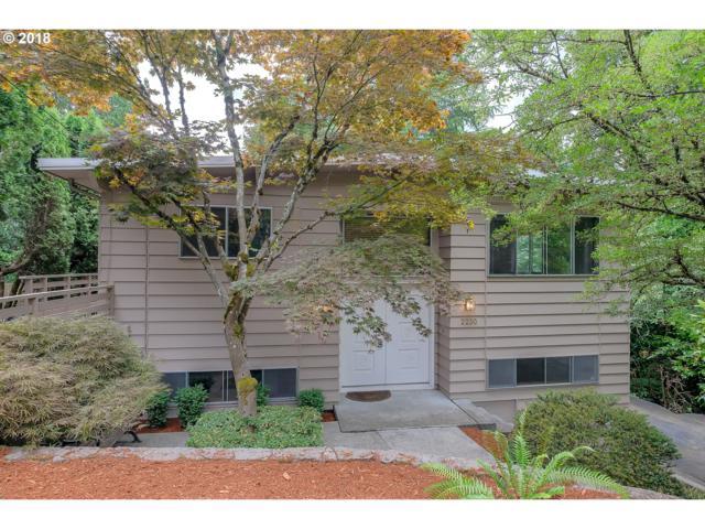 2230 SW Iowa St, Portland, OR 97239 (MLS #19214124) :: McKillion Real Estate Group