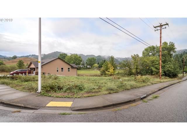 127 SE Callaham Ct, Myrtle Creek, OR 97457 (MLS #19215003) :: Townsend Jarvis Group Real Estate