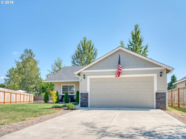35 Almond Way, Creswell, OR 97426 (MLS #19217859) :: Song Real Estate