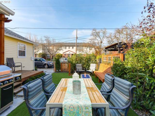 712 SE 42ND Ave, Portland, OR 97215 (MLS #19219399) :: Team Zebrowski