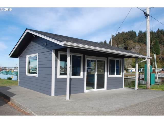 465 Beach Blvd, Winchester Bay, OR 97467 (MLS #19223214) :: McKillion Real Estate Group