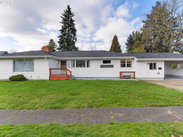 11805 SE 28TH Ave, Milwaukie, OR 97222 (MLS #19225685) :: Matin Real Estate