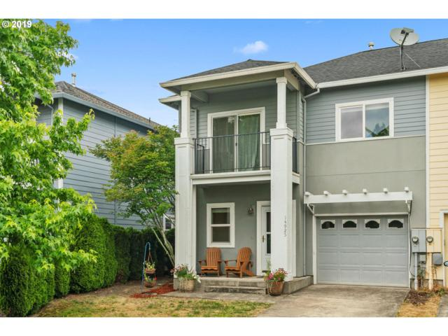 14925 SE Elm Park Dr, Clackamas, OR 97015 (MLS #19229625) :: The Sadle Home Selling Team