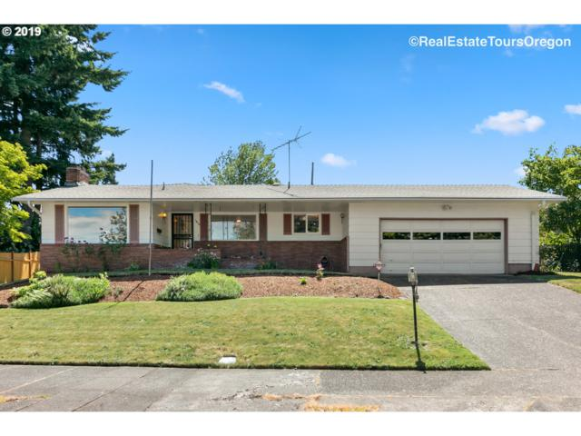 1810 SE 104TH Ave, Portland, OR 97216 (MLS #19235387) :: Matin Real Estate Group