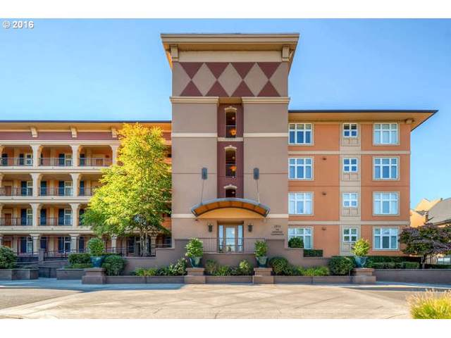 2015 SE Columbia River Dr #130, Vancouver, WA 98661 (MLS #19236675) :: Song Real Estate