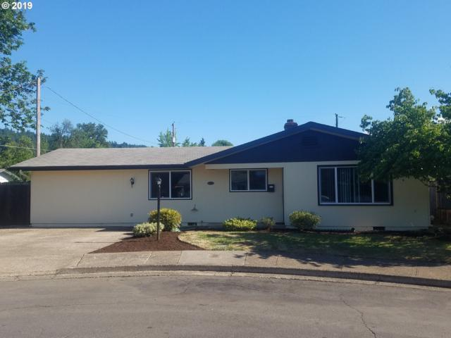 1081 E Jackson Ave, Cottage Grove, OR 97424 (MLS #19246314) :: Song Real Estate