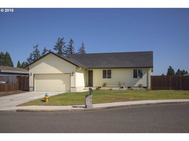 400 E 10TH Pl, Junction City, OR 97448 (MLS #19246960) :: Team Zebrowski