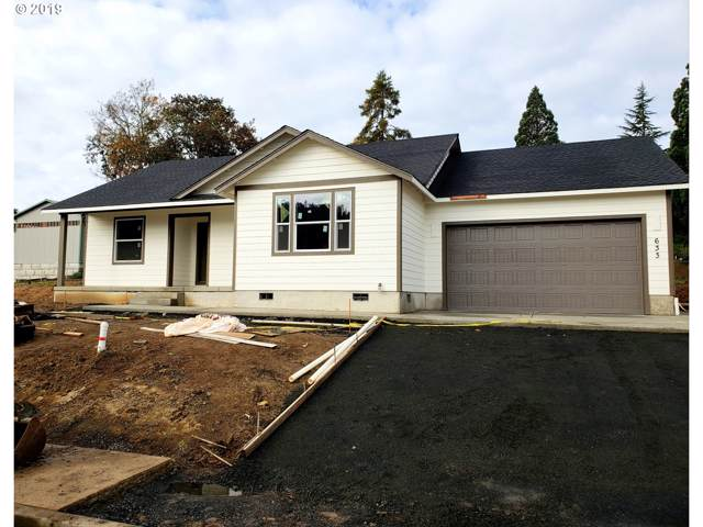 633 SE Garden Way Dr, Winston, OR 97496 (MLS #19248522) :: Townsend Jarvis Group Real Estate
