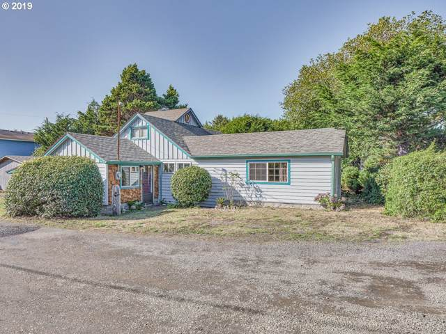 43 NW Knoxville St, Yachats, OR 97498 (MLS #19248715) :: Change Realty