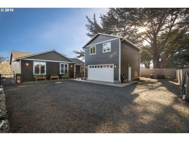 547 Douglas Ave SW, Bandon, OR 97411 (MLS #19251050) :: Stellar Realty Northwest
