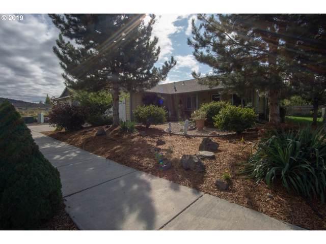 736 NE Black Bear St, Prineville, OR 97754 (MLS #19263724) :: McKillion Real Estate Group