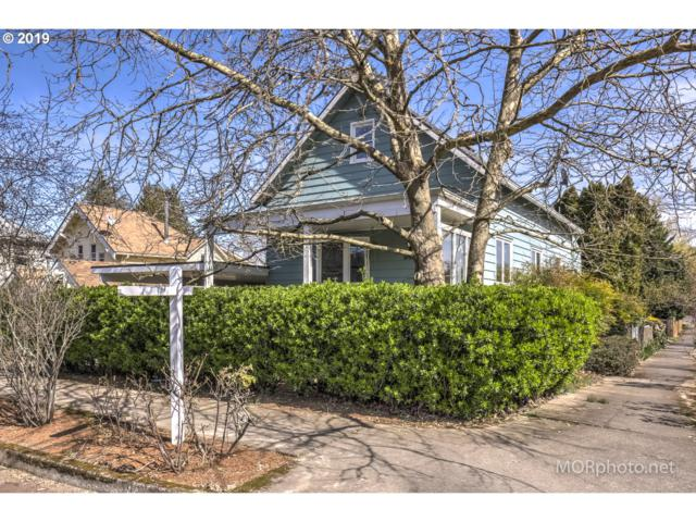 8438 SE 21ST Ave, Portland, OR 97202 (MLS #19264396) :: The Sadle Home Selling Team