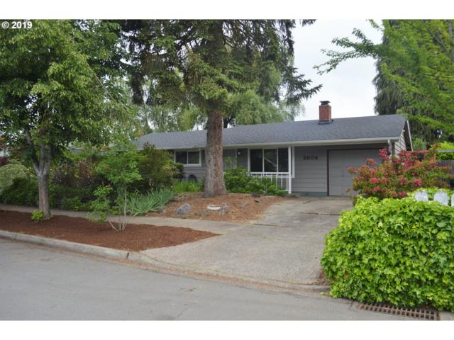 5904 F St, Springfield, OR 97478 (MLS #19266986) :: Gregory Home Team | Keller Williams Realty Mid-Willamette