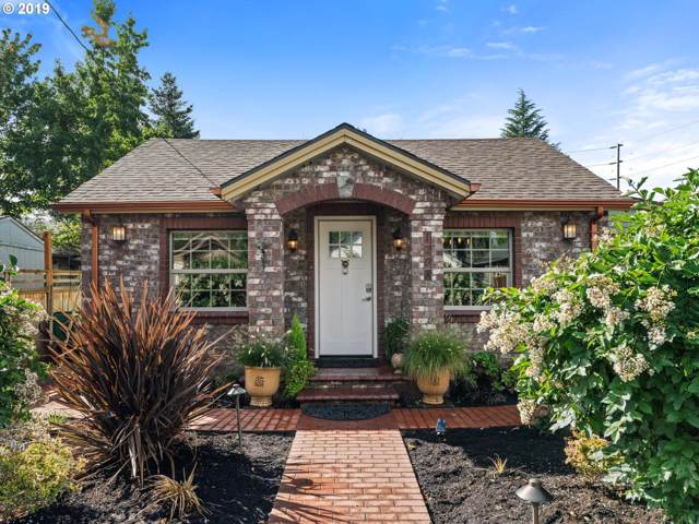 1208 E 10TH St, Newberg, OR 97132 (MLS #19267194) :: Change Realty