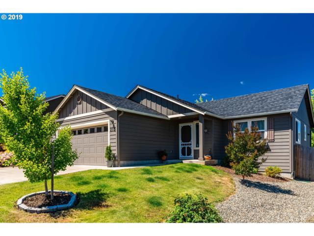 215 Rowan St, Roseburg, OR 97471 (MLS #19268715) :: McKillion Real Estate Group