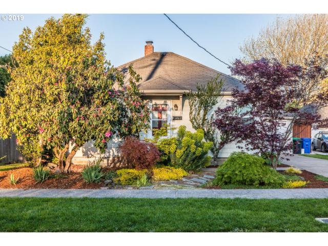 5734 SE 19TH Ave, Portland, OR 97202 (MLS #19269576) :: Townsend Jarvis Group Real Estate