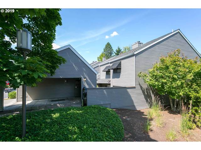 27 Greenridge Ct, Lake Oswego, OR 97035 (MLS #19269926) :: Homehelper Consultants