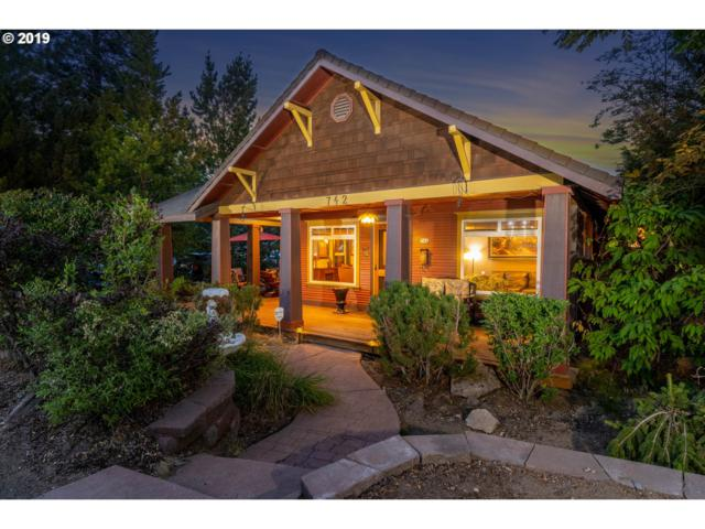 742 NW 12TH St NW, Bend, OR 97703 (MLS #19270560) :: McKillion Real Estate Group