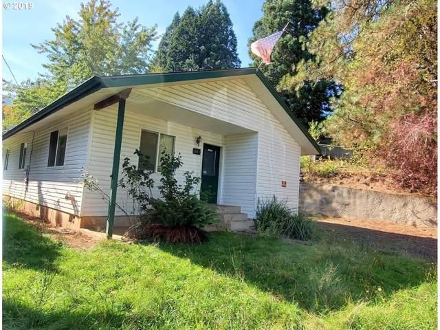 501 John Ave, Drain, OR 97435 (MLS #19273024) :: Song Real Estate