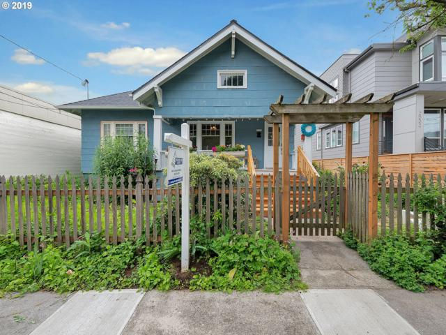 2526 SE 37TH Ave, Portland, OR 97202 (MLS #19276592) :: The Lynne Gately Team