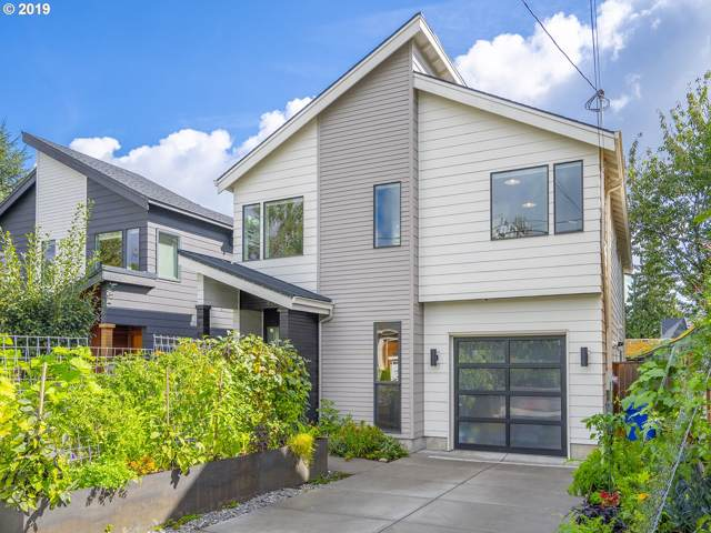 8226 SE 19TH Ave, Portland, OR 97202 (MLS #19277302) :: Change Realty