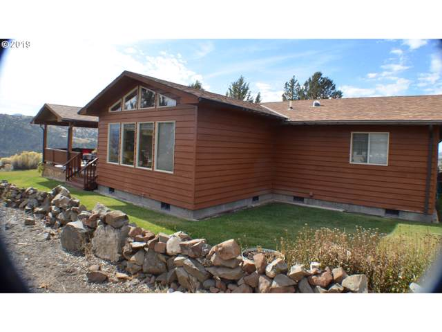 202 NW Valley View Dr, John Day, OR 97845 (MLS #19280449) :: Townsend Jarvis Group Real Estate