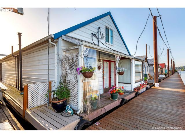 2901 NE Marine Dr A-10, Portland, OR 97211 (MLS #19281663) :: Hatch Homes Group