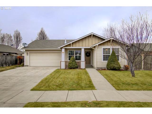 723 NE Stone Ridge Loop, Prineville, OR 97754 (MLS #19282298) :: Fox Real Estate Group