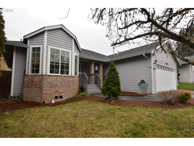 7364 SW 175TH Ter, Beaverton, OR 97007 (MLS #19287186) :: The Sadle Home Selling Team
