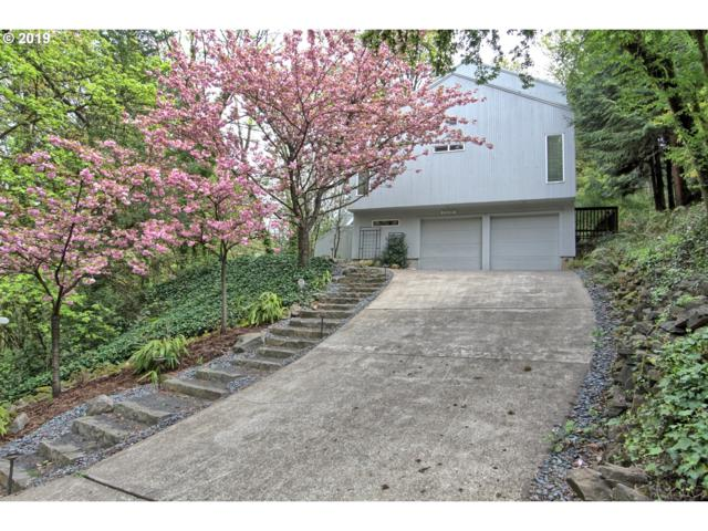 802 SW Terwilliger Pl, Portland, OR 97239 (MLS #19289964) :: Townsend Jarvis Group Real Estate