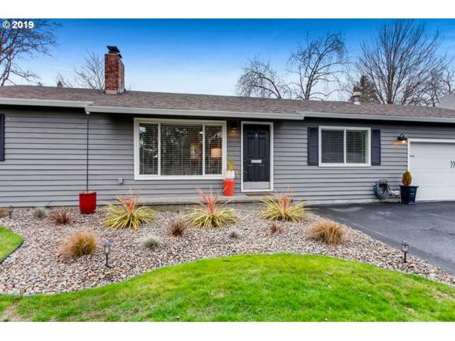 50 SW 137TH Ave, Beaverton, OR 97006 (MLS #19301196) :: Homehelper Consultants