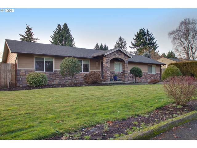 15969 SE Lark Ave, Milwaukie, OR 97267 (MLS #19301884) :: McKillion Real Estate Group